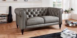 Moebella24 - 2-Sitzer - Sofa - Hudson - Chesterfield - Leder - Grau - Dekorative - Nähte - und - Versteppungen - Barock-Design - Füße