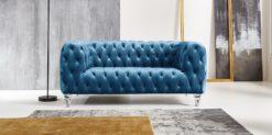 Moebella24 - Chesterfield - Sofa - Kristall - 2-Sitzer - Samt - Türkis - Acryl - Füße - Knopfheftungen - Frontal - Detailaufnahme