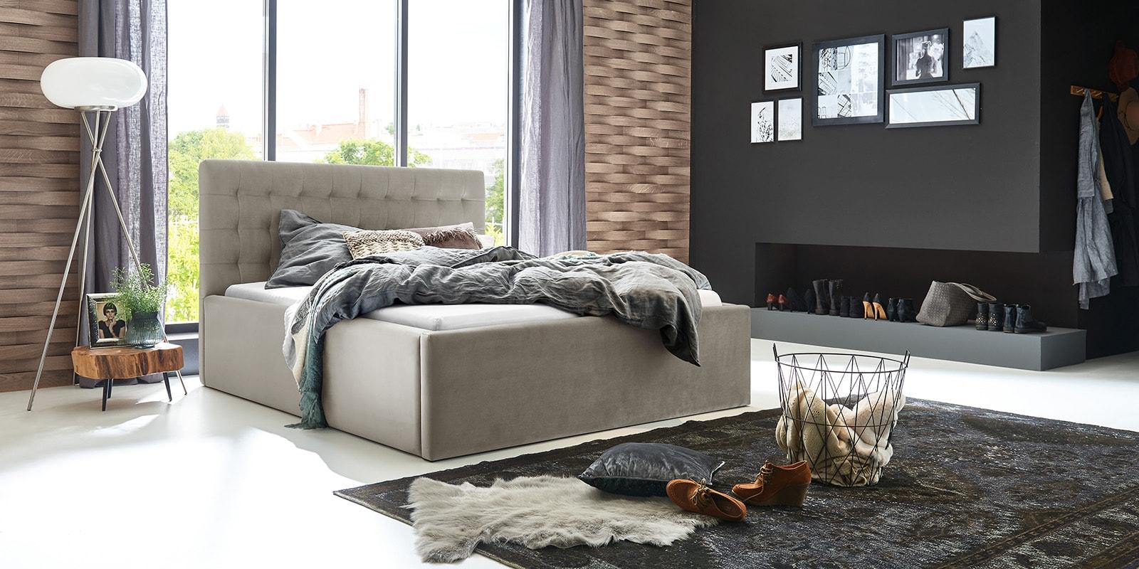 Moebella24 - Bett - mit - Bettkasten - Molly - Samt - Altweiß - Stauraum - Bettkasten - und - Lattenrost - vormontiert - verstärkte - Dämpfer - Von - vorne - links