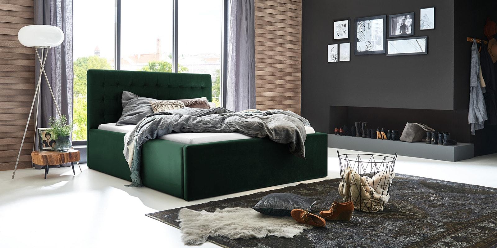 Moebella24 - Bett - mit - Bettkasten - Molly - Samt - Smaragd - Stauraum - Bettkasten - und - Lattenrost - vormontiert - verstärkte - Dämpfer - Von - vorne - links