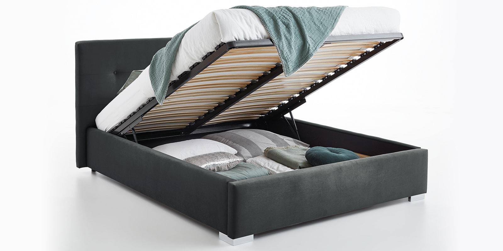 Moebella24 - Bett - mit - Bettkasten - Betty - Samt - Anthrazit - Stauraum - Kopfteil - mit - Knopfheftung - Bettkasten - Geöffnet - Von - vorne - links