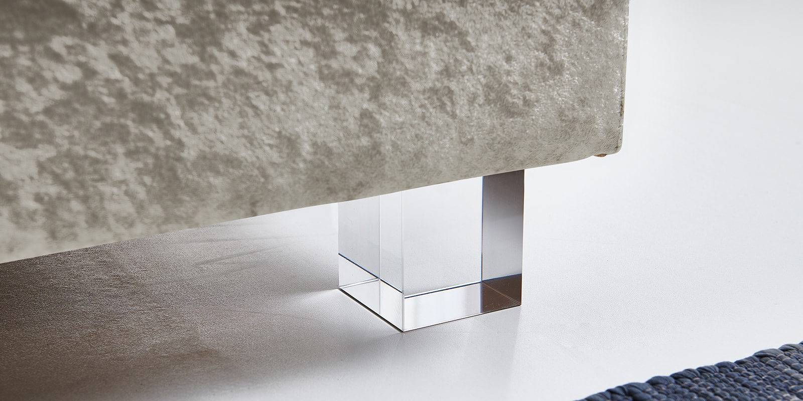 Moebella24 - Boxspringbett - Beige - Samt - Acryl Füße eckig - Glas Optik