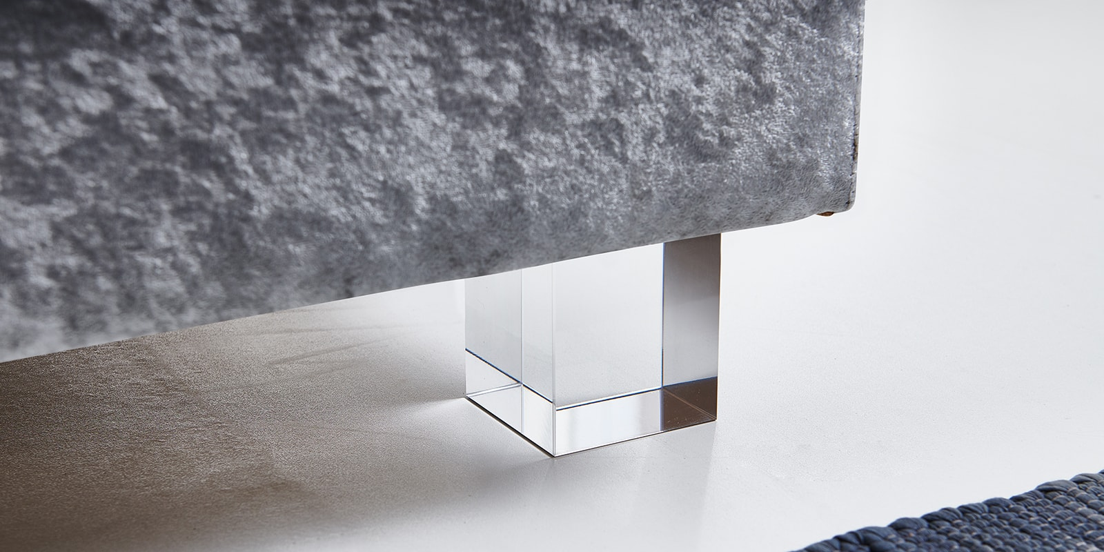 Moebella24 - Boxspringbett - Silber - Samt - Acryl Füße eckig - Glas Optik