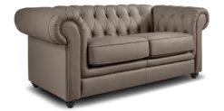 Moebella24 - Chesterfield - 2-Sitzer - Sofa - Winston - Taupe - Echtleder - mit - Knopfheftung - Detailaufnahme