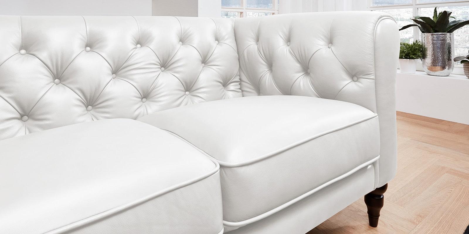 Moebella24 - 3-Sitzer - Sofa - Hudson - Chesterfield - Leder - Weiß - Dekorative - Nähte - und - Versteppungen - Barock-Design - Füße - Detailaufnahme