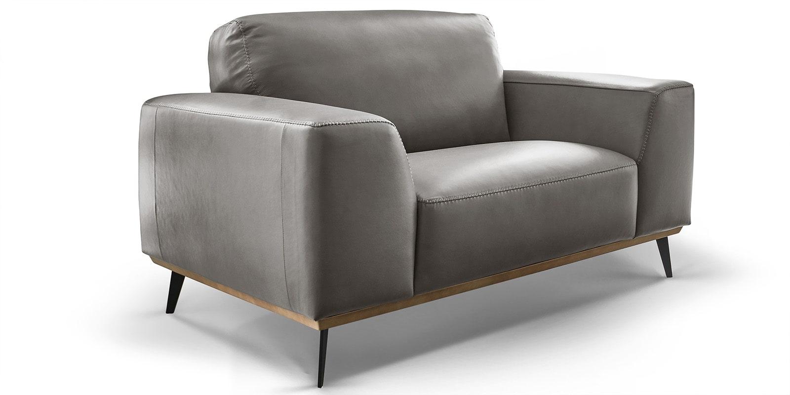 Moebella24 - 1,5-Sitzer - Sessel - Sofa - Barcelona - Leder - Grau - Skandinavisches - Design - Punto - cavallo - Nähte - Elegante - Füße - Detailaufnahme