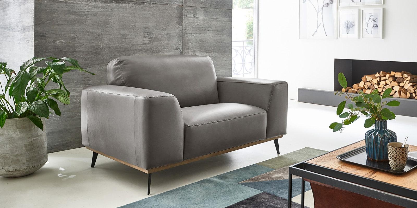 Moebella24 - 1,5-Sitzer - Sessel - Sofa - Barcelona - Leder - Grau - Skandinavisches - Design - Punto - cavallo - Nähte - Elegante - Füße
