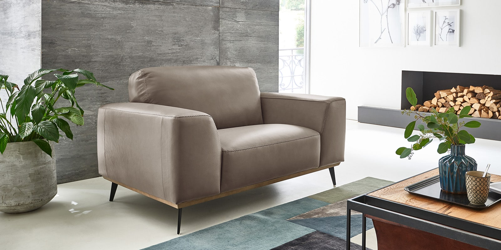 Moebella24 - 1,5-Sitzer - Sessel - Sofa - Barcelona - Leder - Taupe - Skandinavisches - Design - Punto - cavallo - Nähte - Elegante - Füße