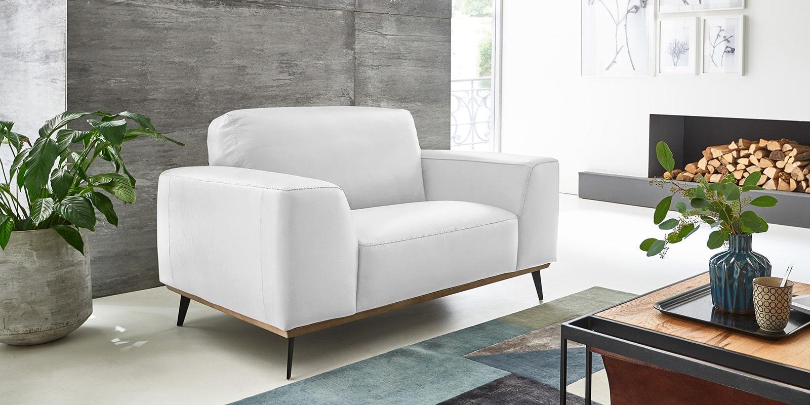 Moebella24 - 1,5-Sitzer - Sessel - Sofa - Barcelona - Leder - Weiß - Skandinavisches - Design - Punto - cavallo - Nähte - Elegante - Füße